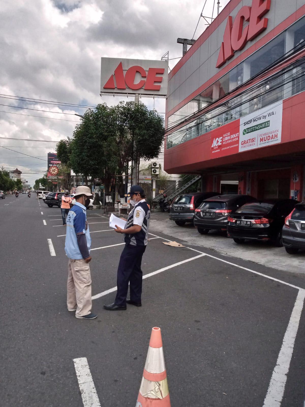 Kegiatan Pengawasan dan Pembinaan Juru Parkir Tepi Jalan Umum